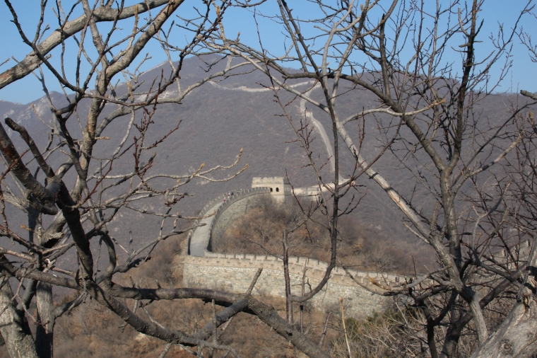 kinesiska muren som ringlar sig fram.