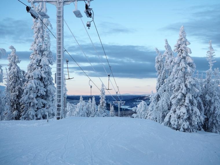 Skidlift och snö