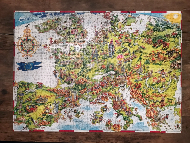 Färdiglagt pussel. Karta över Europa.