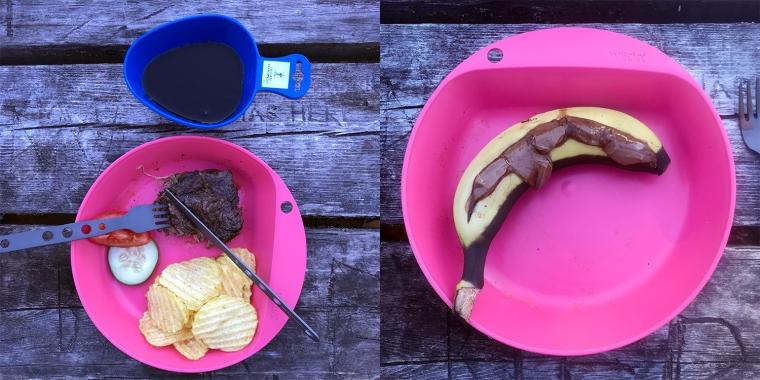 Tallrikar med kött och chips resp grillad banan med choklad.