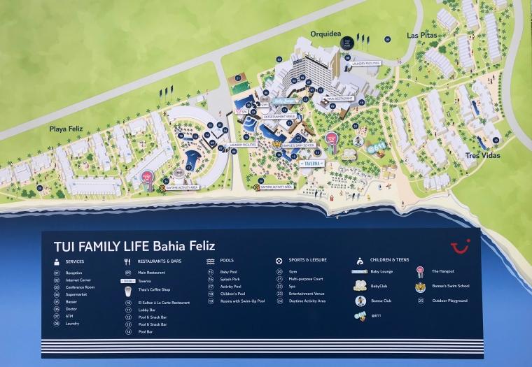 En karta över området Bahia Feliz med de olika hotellen utmarkerade.