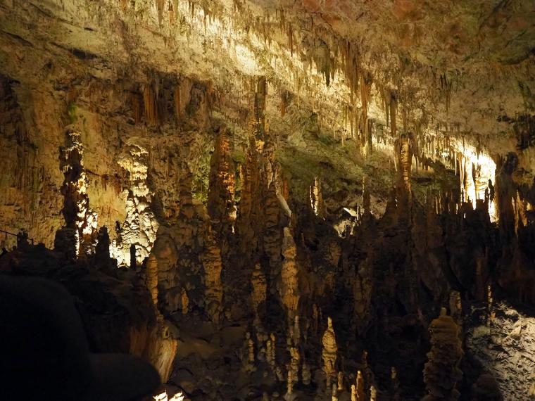 Stalaktiter och stalagmiter
